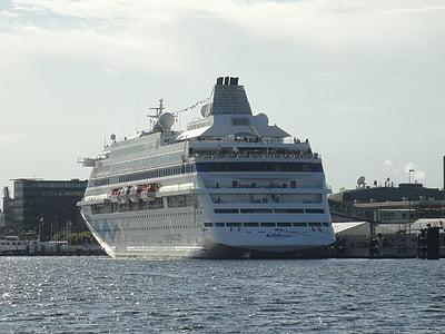 Cruise, gemi, yolcu gemisi, bağlantı noktası, Baltık Denizi, Kiel, su