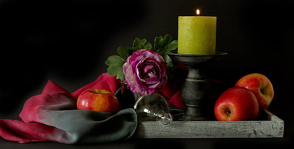 Natüürmort, Apple, Sügis, puu, küünal, siseruumides, mustal taustal