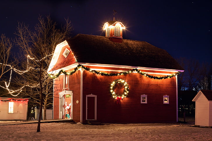 Christmas maja, öö, Xmas tuled, punane maja