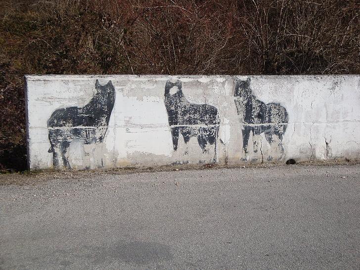 wolves, mountain, murals, wall, drawing, draffiti, mono