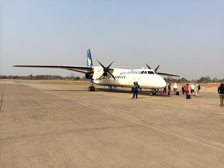 países extranjeros, Laos, Pakse, Aeropuerto de Pakse, aeropuerto más cercano, Laos airlines, avión de hélice