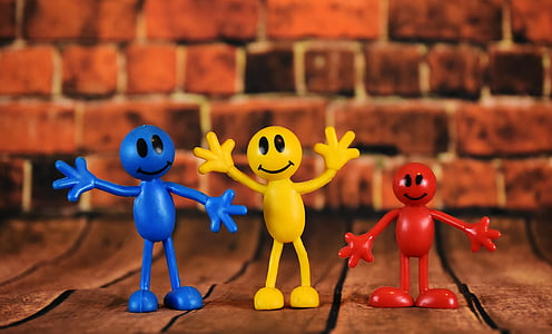 Smilies, mascles, colors, valent, figures, somrient, vermell