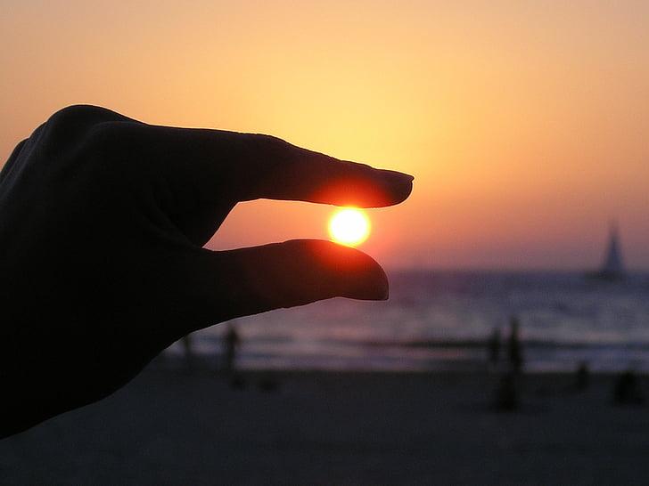 zon in de hand, vingers, zonsondergang, silhouet, hemel, kust, Oceaan