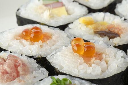 sushi en rotlle, futomaki, marisc, sushi, liquidació Nori, aliments, ous de salmó