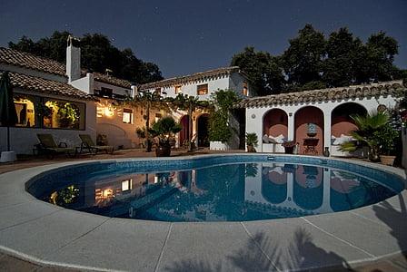 Yüzme, Havuzu, yanında, koridor, ağaçlar, ev, ev