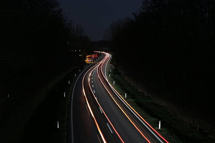 cotxe de carrer, autopista, carrer Federal, cotxes a la nit, conductor de nit, avançaments