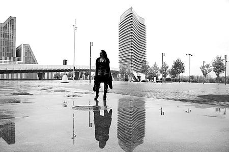 kvinner, refleksjon, Dam, vann, byen, Street, våte