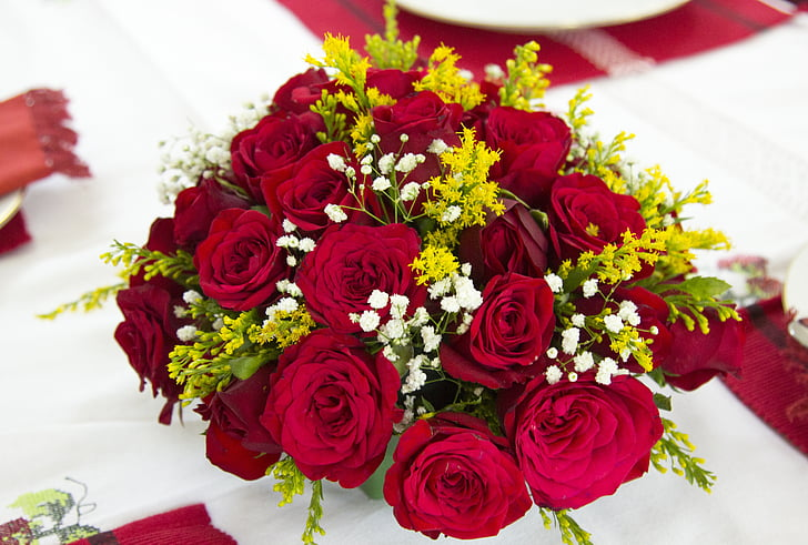 ramo de flores, color de rosa, flor, flor roja, arreglo de rosa roja, flores de boda, arreglo