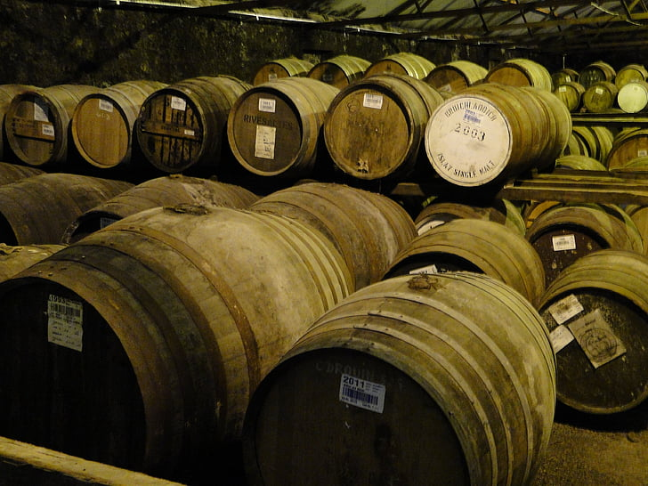 whisky, barriques, Islay, tonneaux en bois, Keller, stock, alcool