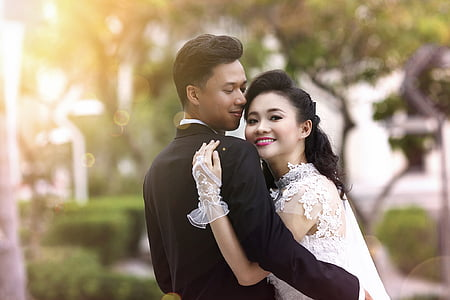 sunlight, wedding, happy, couple, bride, groom, hugs