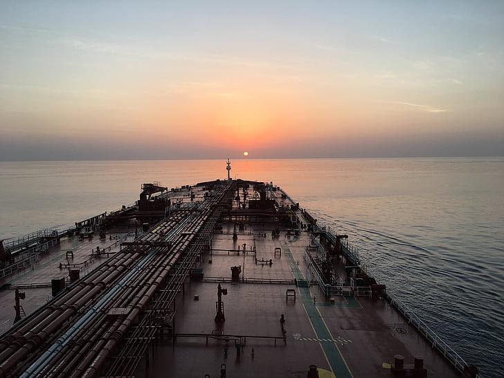 Alba, vaixell, Mar