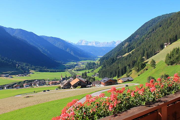 Dolomites, mäed, Valley