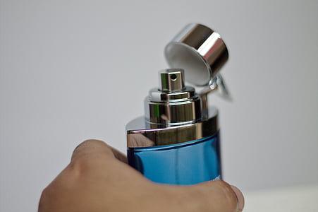 подбирая аромат, духи, рука, аромат, личный уход, для мужчин