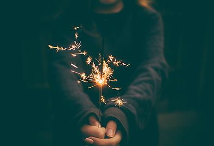 celebrar, celebració, focs artificials, flama, mà, nit, Chispitas