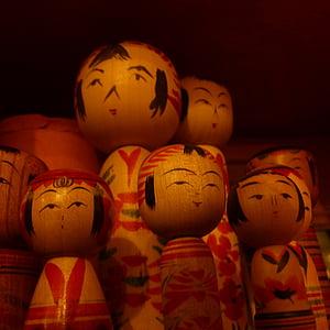 kokeshi nines, fusta, Artesania, joguines, cultures