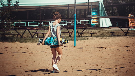 Photoshoot rannas, Tüdruk, kleit, asub, mood, naine, emane