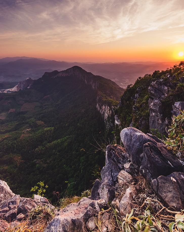 Mountain, Highland, molnet, Sky, toppmötet, Ridge, landskap