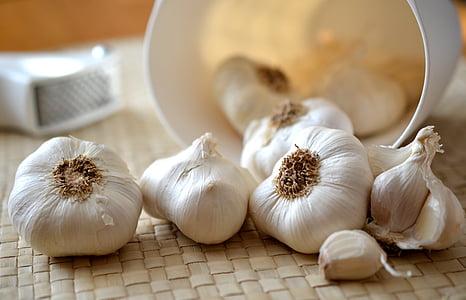 češnjak, režnja češnjaka, kuhinja, jesti, kuhati, hrana, začinski