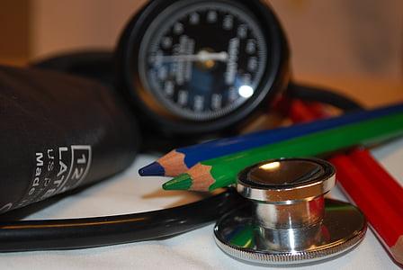 Zorg, bloeddruk, geneeskunde, stethoscoop, pennen, rood, groen