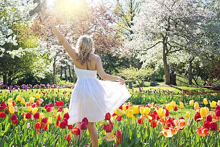 Весна, Тюльпани, красива жінка, молода жінка, квіти, Весна, жінка