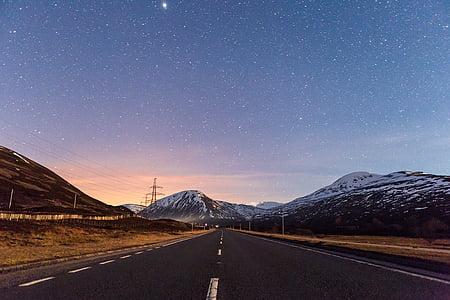 gris, formigó, carretera, envoltat, rocoses, muntanya, blau