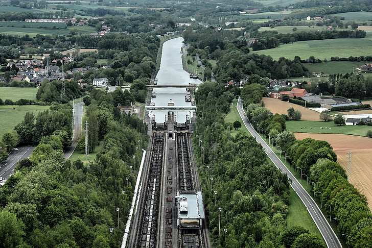 pla inclinat de ronquières, elevació, canal Brussel·les-Charleroi, altiplà henegouws, canal, l'interior
