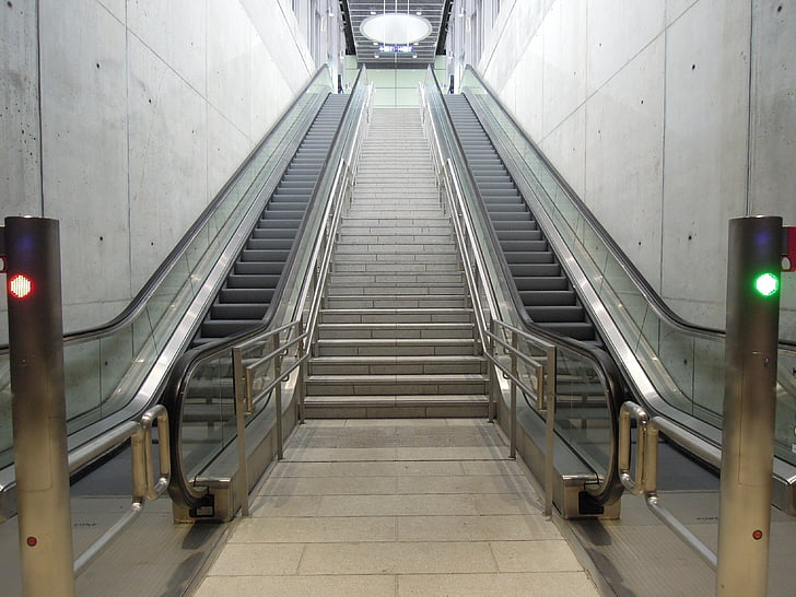 the train-station, the escalator, desert, stairs, the stair, finnish, k