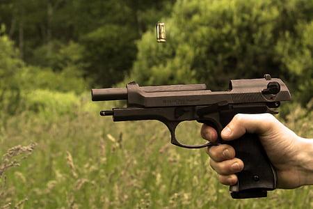 golyó, kazetta, fű, pisztoly, kéz, kézifegyver, pisztoly