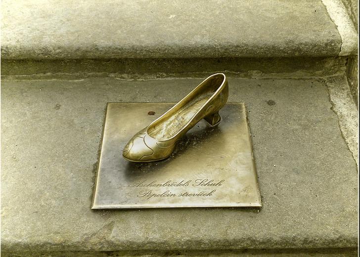 golden shoe, fairy tales, moritz castle