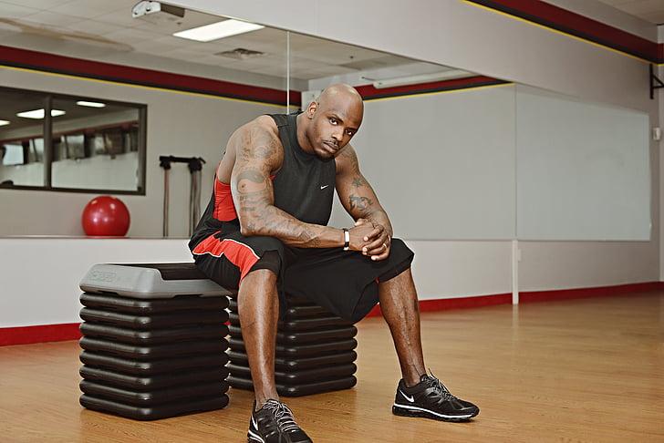 gimnàs, xicot, negre, exercici, entrenament físic, home de gimnàs, home