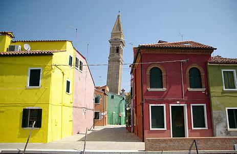 อิตาลี, กิโลเมตร, บ้านที่มีสีสัน, หอระฆัง, เบลทาวเวอร์