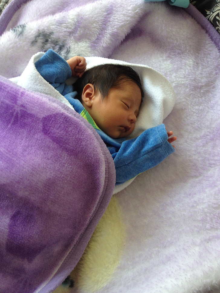 Baby, magades, pikali