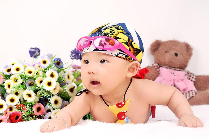 vauva, äiti ja lapsi, lapset, lapsuuden, viattomuus, Vauvat vain, lapsi