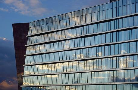 arhitektuur, fassaad, taevas, peegeldus, Minski, akna, äri
