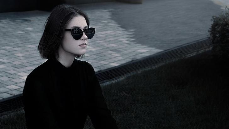 módne dievča, okuliare, v čiernej farbe, nohavice, tričko, Ulica, Glamour