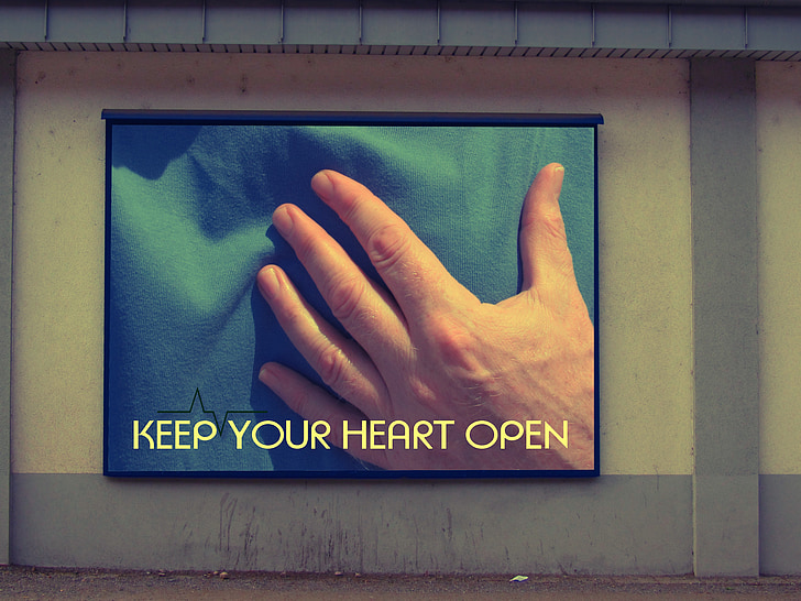 Groeten, ziekte, bovenlichaam, hand, t shirt, houden, hart