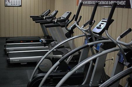 fitnesa, treniņa, apmācības, pacelšanas svars, stiprums apmācībā, uzdevums