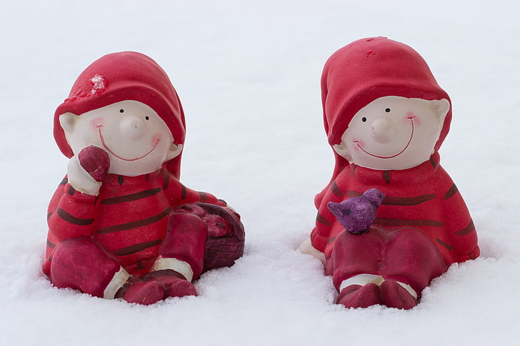 children in the snow, figures in the snow, wintry, winter, snow, decoration, imp