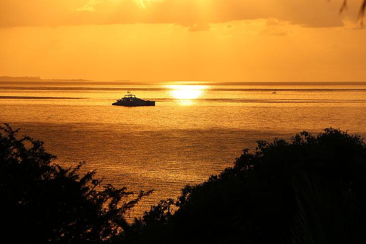 Moçambique sunrise, Golden sea, Moçambique sunset