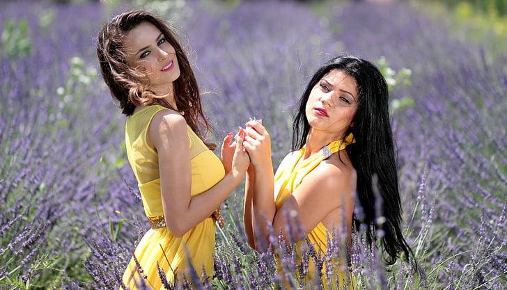 merginos, Levanda, du, suknelės, geltona, grožio