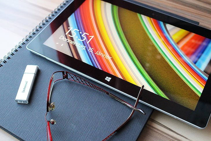 tablett, puutetundliku ekraani, lugemisprillid, USB mälu, andmete stick, prillid, mälupulk