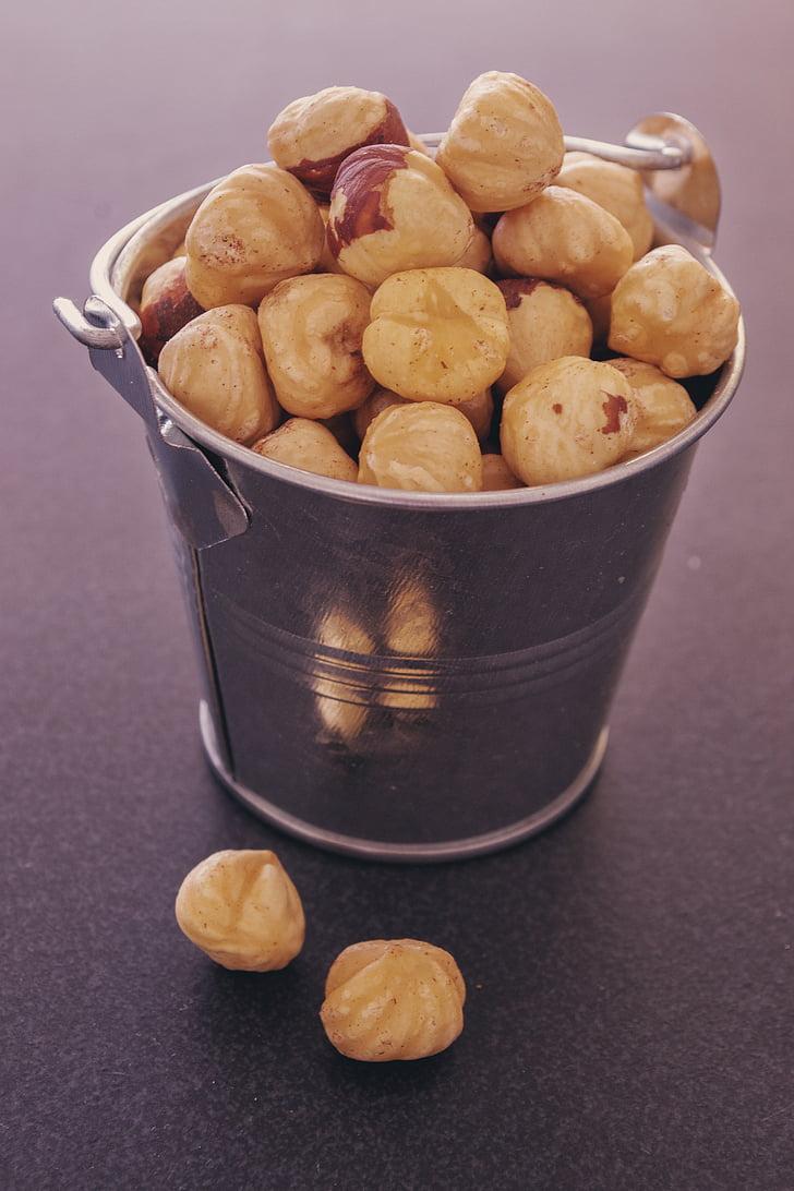 nocciole, secchio metallico cibo, fotografia di Food, cibo, mucchio, sparsi, secco
