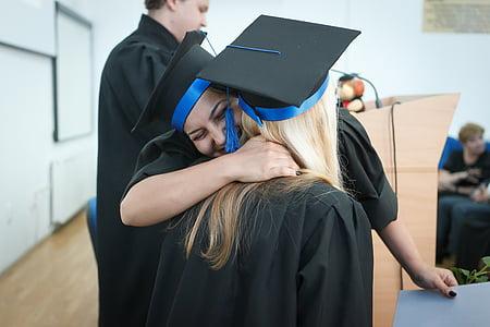 дипломирането, ден на дипломиране, колеж дипломирането, колеж, завършил, завършил колеж, церемония по дипломиране