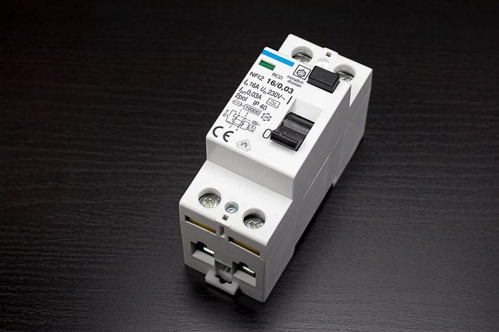 CGP, rcds, culpa actual, Enginyeria elèctrica, electrònica, protecció, interruptor