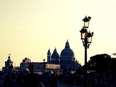 Venedig, Italien, lyktstolpar, lampor, personer, folkmassan, fotgängare