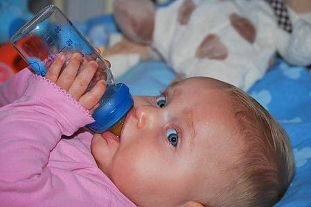 nen, nadó, persones, beure, noia, ampolla de beguda, ampolla