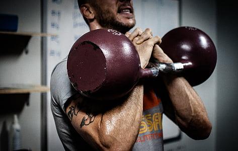 kettlebell, kettlebells, kettlebell apmācības, CrossFit, fitnesa, uzdevums, trenažieru zāle