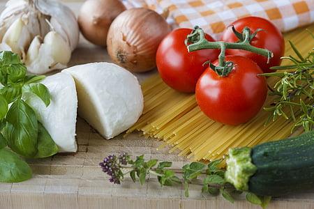 Mozzarella, tomāti, garšaugi, Itāliešu, pavārs, Ķiploki, sastāvdaļas