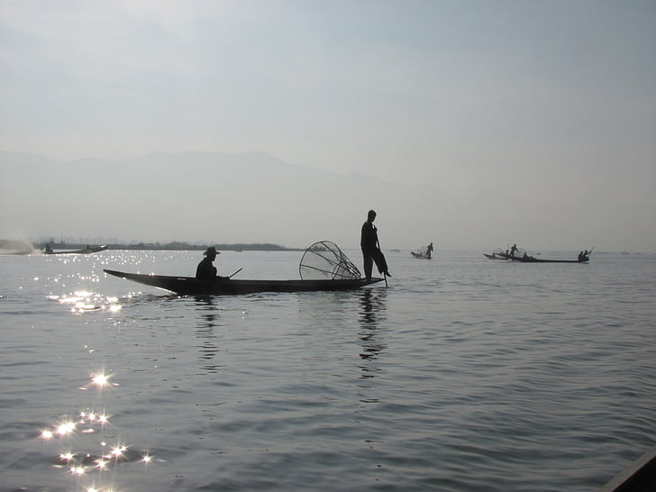 rybár, loďou, jazero, Barma