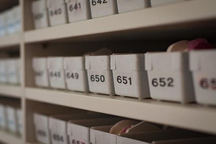 blanc, plàstic, contenidors, números, papereres, Etiquetes, piles